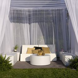9' x 9' Chic Suite of Outdoor Furniture