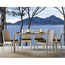 Amberes Patio Wicker Dining Table and Chairs