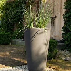 Serralunga Liscio Indoor-Outdoor Planter