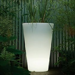 Serralunga Liscio Indoor-Outdoor Lighted Planter