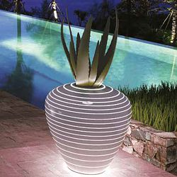 Serralunga Illuminated Grand Mary Planter