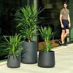 Ulm Round Outdoor Planters