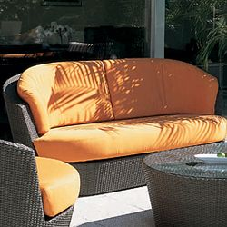 Rausch Furniture Rausch Outdoor Wicker Eden Roc Loveseat
