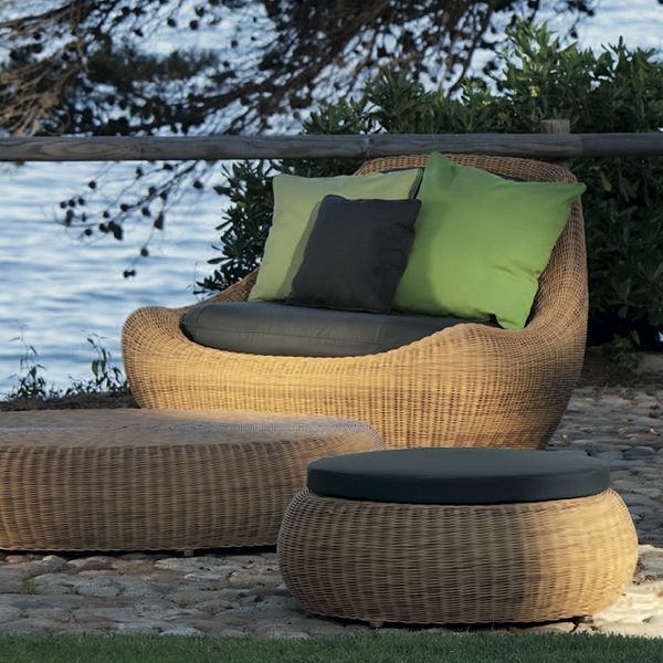 Point Globe Chair Modern Outdoor Wicker Patio Lounge
