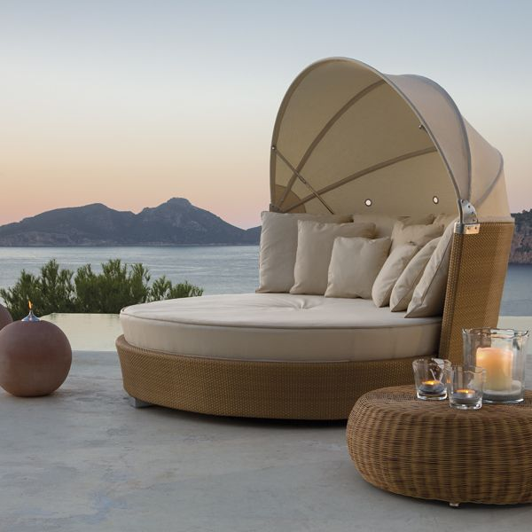 - Point Romantic Modern Wicker Outdoor Daybed - HomeInfatuation.com.