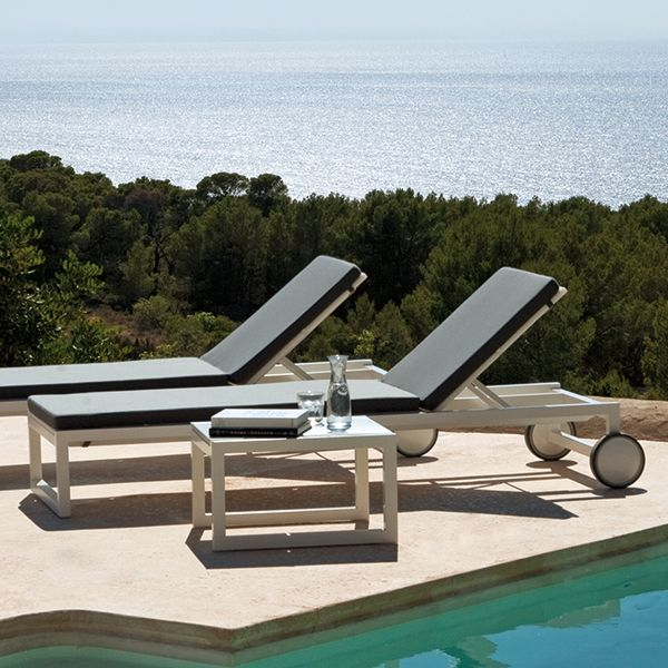 Point Weekend Outdoor Chaise Lounge Aluminum