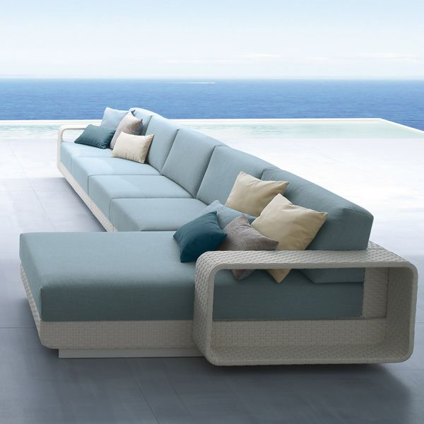 roberti hamptons sectional wicker outdoor sofa. Black Bedroom Furniture Sets. Home Design Ideas