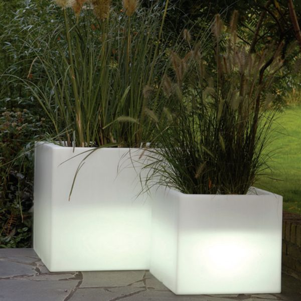 Serralunga Cubotti Illuminated Outdoor Planter, Lighted Planter    Homeinfatuation.com